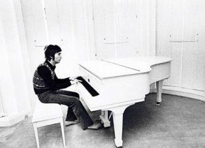 lennon_piano