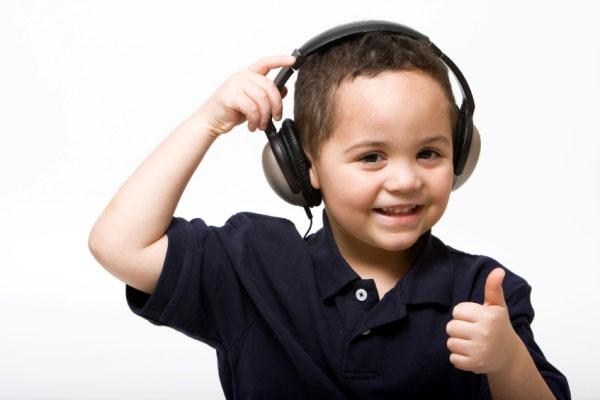 boy-listening-headphonesweb