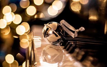merry-christmas-on-piano22